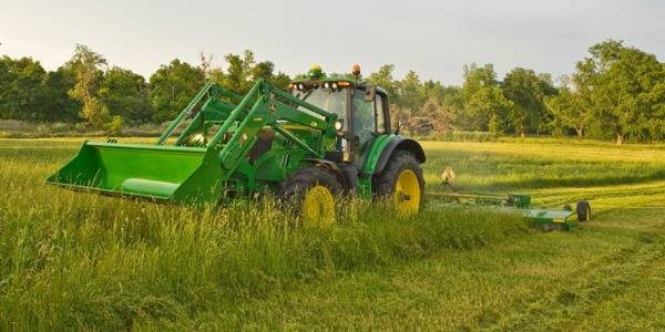 Agricultural Sales Agent: Reap the Benefits from Farm Industry