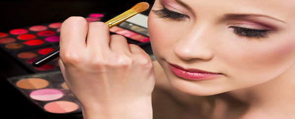 Prettify your Profits with Cosmetics Franchise Business